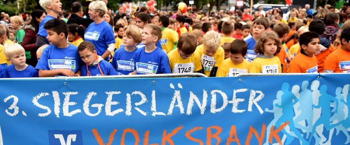 Startschuss in die Ferien beim 3. Siegerländer Volksbank-Schülerlauf