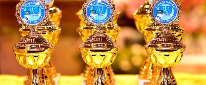 Sieger des 3. Siegerländer Volksbank Schülerlaufs geehrt