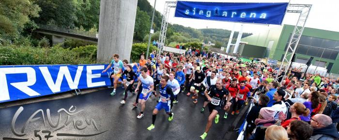 Zwei Rekorde und Super-Stimmung beim RWE-Lichterlauf 2016