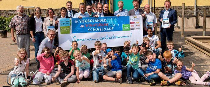 """6. Siegerländer Volksbank Schülerlauf 2018: 7.000 wollen """"Gemeinsam weiterkommen"""""""