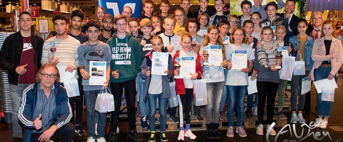 Siegerehrung zum 6. Siegerländer Volksbank-Schülerlauf