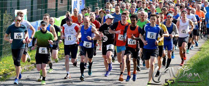 500 Teilnehmer beim Auftakt der AOK-Rothaar-Laufserie in Erndtebrück